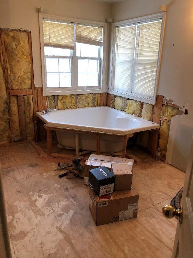 Bath tub initial installation